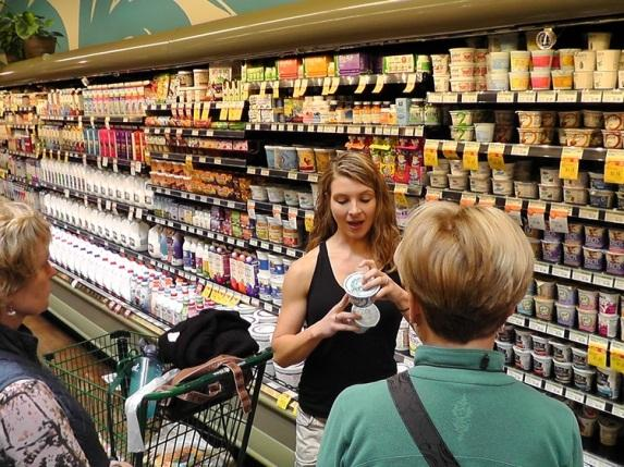 Cassie Kremer Grocery Store Tours for healthy living and dietary restrictions